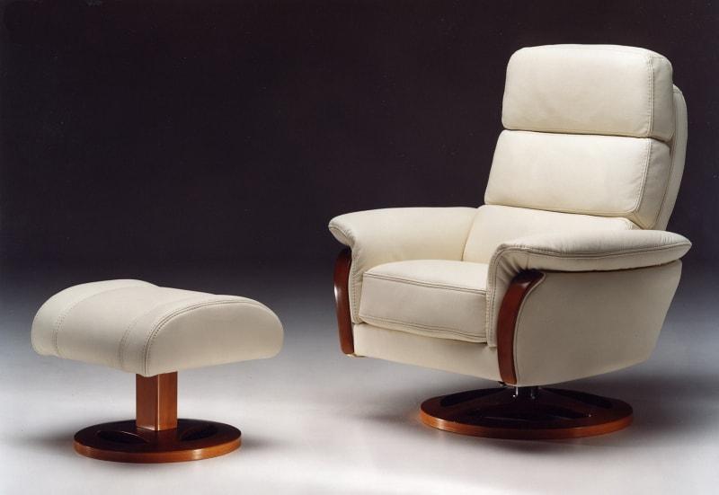 fauteuil rela avec pouf en cuir banc et boiserie en hetre satis fabrication italienne haut de gamme lille meubels duquesnoy nord